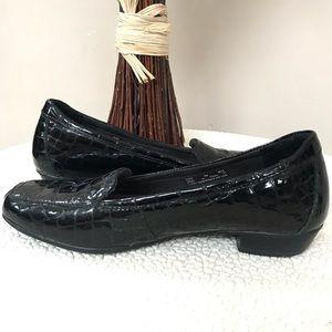 Black CLARK'S Crocodile Patent Leather Loafers 8M